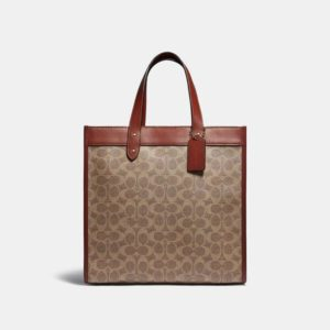Fashion Runway Coach Field Tote In Signature Canvas With Horse And Carriage Print